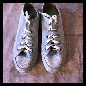 Women's size 6 Converse  with glitter accent